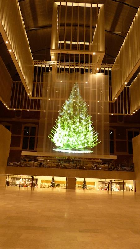 holographic christmas tree at rijksmuseum amsterdam
